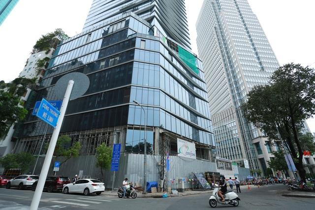 Cận cảnh khách sạn 5 sao Hilton Sài Gòn đang trong diện rà soát pháp lý - Ảnh 3.