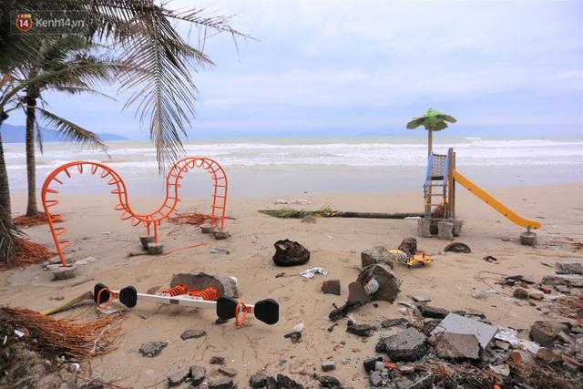 Ảnh: Cận cảnh bãi biển đẹp nhất hành tinh tan hoang, xơ xác sau bão số 13 - Ảnh 4.