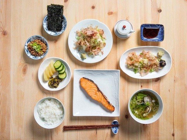 Tiết lộ bí mật để trường thọ của đất nước sống thọ nhất châu Á: Không có gì ngạc nhiên khi chúng đều xuất phát từ chế độ ăn uống và phong cách sống - Ảnh 1.