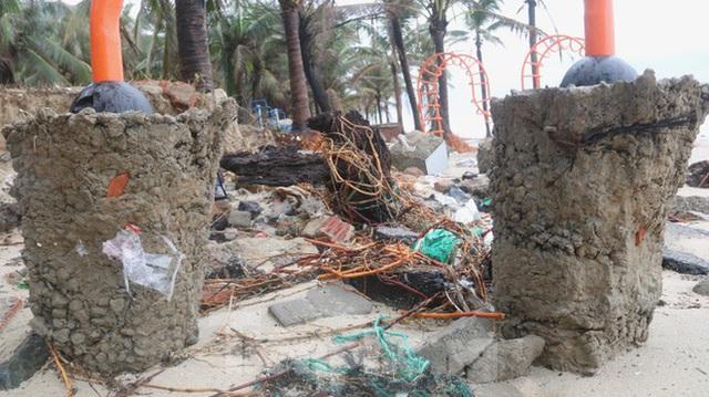 Bãi biển đẹp nhất hành tinh tan hoang sau bão số 13 - Ảnh 2.