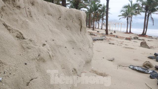 Bãi biển đẹp nhất hành tinh tan hoang sau bão số 13 - Ảnh 11.