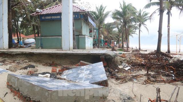 Bãi biển đẹp nhất hành tinh tan hoang sau bão số 13 - Ảnh 8.