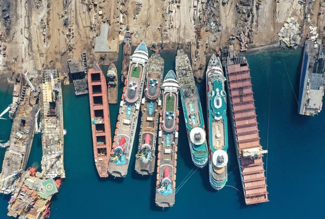 Những hình ảnh cho thấy hệ quả thảm khốc của Covid-19 lên ngành công nghiệp du thuyền - Ảnh 2.