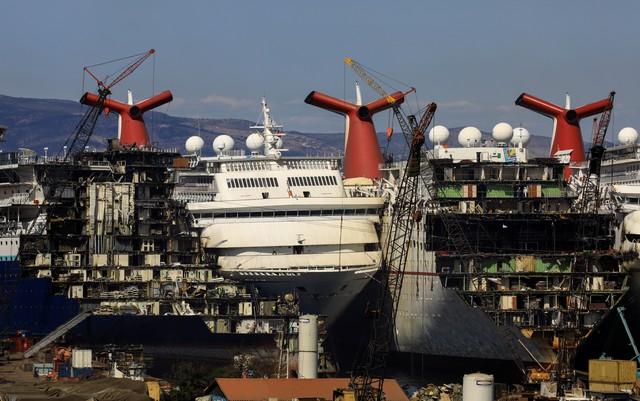 Những hình ảnh cho thấy hệ quả thảm khốc của Covid-19 lên ngành công nghiệp du thuyền - Ảnh 3.