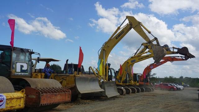Bắt đầu thi công cao tốc Phan Thiết - Dầu Giây, kỳ vọng giảm các vụ tai nạn thảm khốc  - Ảnh 2.