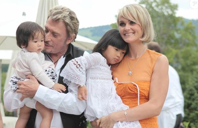 Cô bé Việt mồ côi được biểu tượng quốc gia nước Pháp nhận nuôi và cuộc sống khiến nhiều người ganh tỵ sau 16 năm - Ảnh 2.