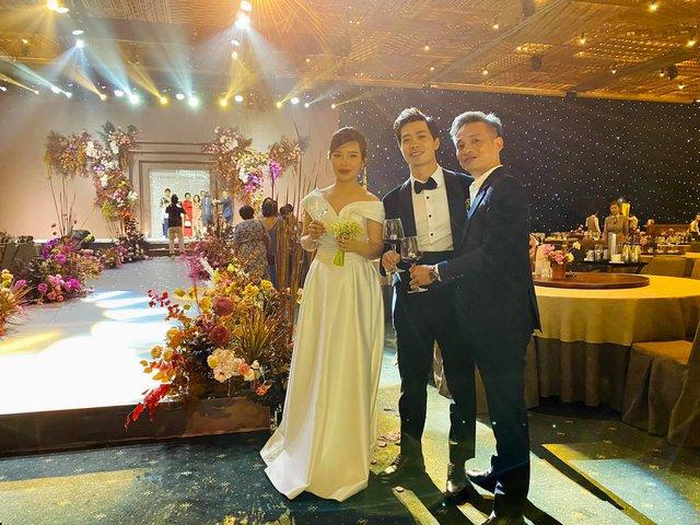 Toàn cảnh siêu đám cưới của Công Phượng - Viên Minh: Cái kết trọn vẹn cho mối tình cầu thủ nổi tiếng và tiểu thư gia thế khủng - Ảnh 6.