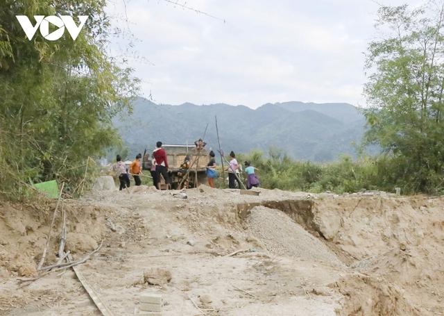 Nhức nhối tình trạng khai thác cát trái phép ở lòng chảo Mường Phăng  - Ảnh 2.