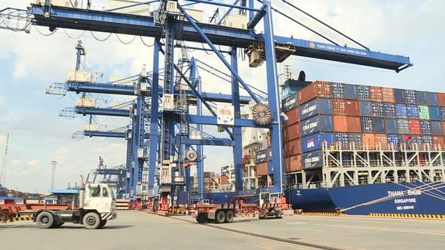 Hơn 1.500 container phế liệu nằm ăn vạ ở cảng Cát Lái nhiều năm - Ảnh 2.
