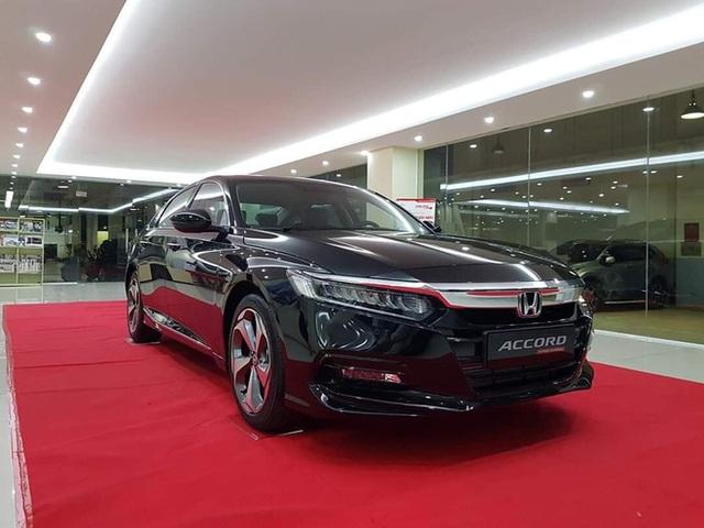 Đại lý xả kho Honda Accord với giá sập sàn: Giảm cao nhất 320 triệu đồng, chạm đáy mới tại Việt Nam - Ảnh 2.