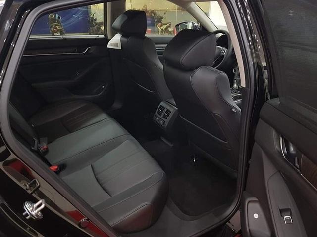 Đại lý xả kho Honda Accord với giá sập sàn: Giảm cao nhất 320 triệu đồng, chạm đáy mới tại Việt Nam - Ảnh 6.