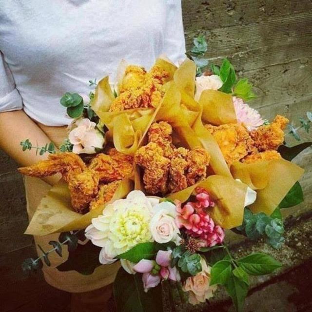 Bó hoa độc đáo làm từ cá hồi và rong biển trị giá 1,4 triệu đồng - Ảnh 6.