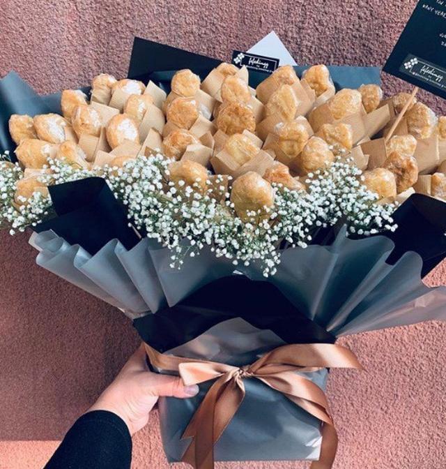 Bó hoa độc đáo làm từ cá hồi và rong biển trị giá 1,4 triệu đồng - Ảnh 8.
