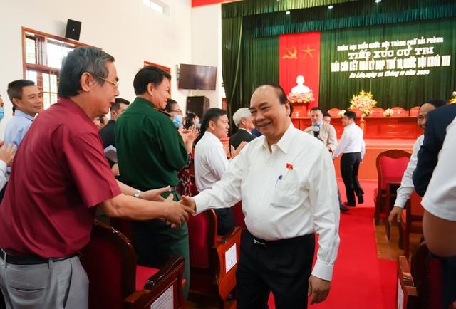 CHÙM ẢNH: Thủ tướng tiếp xúc cử tri TP. Hải Phòng - Ảnh 1.