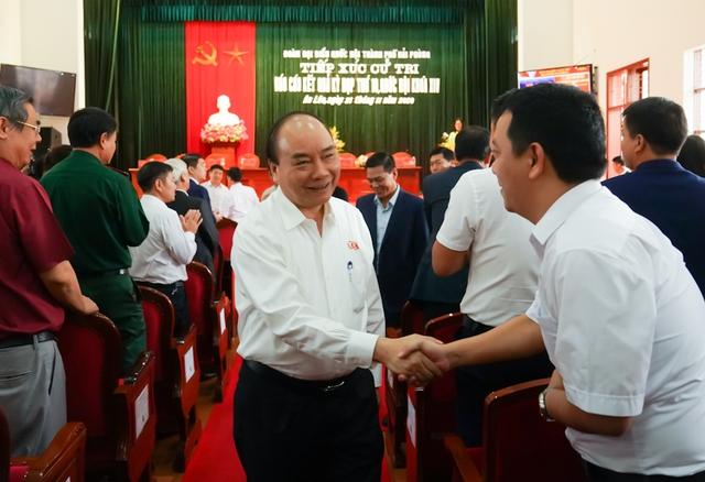 CHÙM ẢNH: Thủ tướng tiếp xúc cử tri TP. Hải Phòng - Ảnh 2.