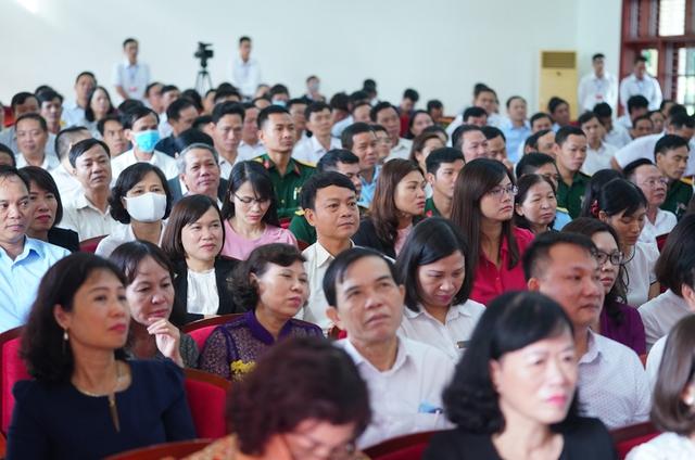 CHÙM ẢNH: Thủ tướng tiếp xúc cử tri TP. Hải Phòng - Ảnh 5.