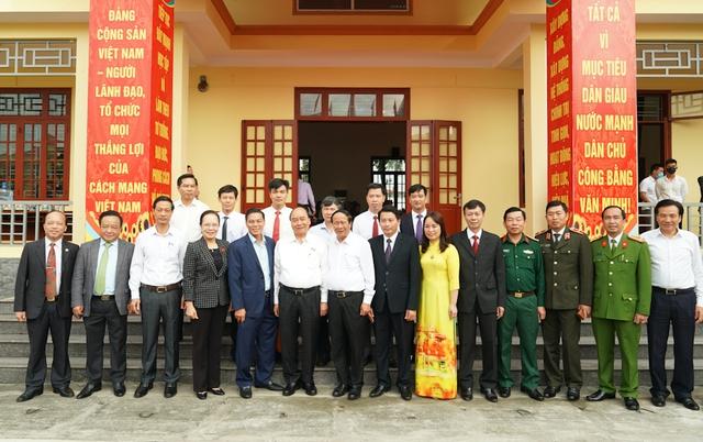 CHÙM ẢNH: Thủ tướng tiếp xúc cử tri TP. Hải Phòng - Ảnh 6.