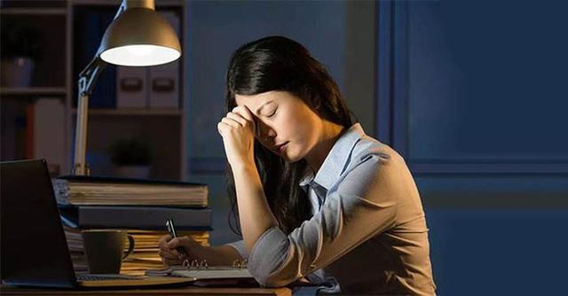 6 thói quen hàng triệu người mắc mỗi ngày là thủ phạm gây teo não - Ảnh 3.