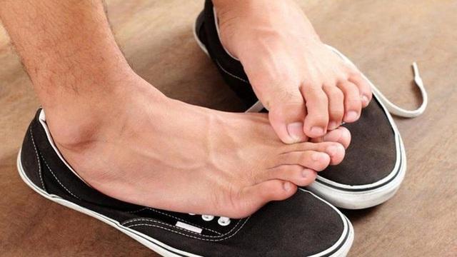 Bất kể nam hay nữ trên cơ thể xuất hiện 2 đen 2 hôi chứng tỏ suy giảm chức năng thận - Ảnh 3.