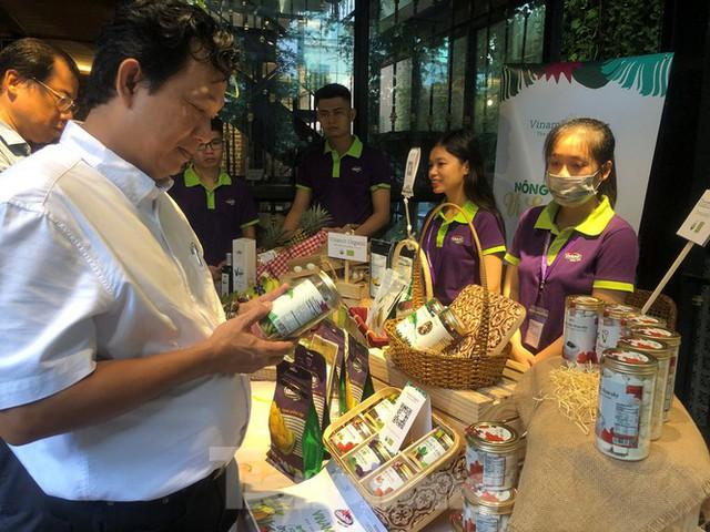 TPHCM: Dân nội trợ 'tranh nhau' mua heo rừng hữu cơ gần 400.000 đồng/kg - Ảnh 6.