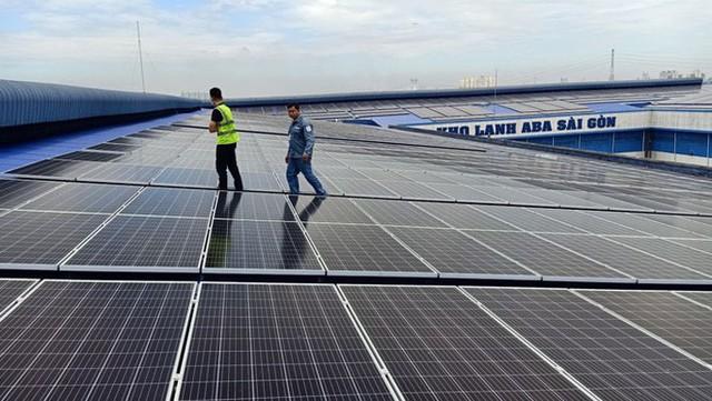 Bùng nổ điện mặt trời mái nhà ở TP HCM  - Ảnh 1.