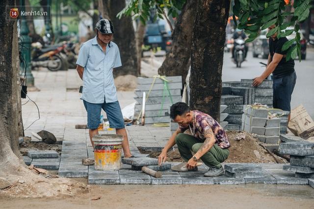 Nhiều tuyến phố Hà Nội lát đá thương hiệu 70 năm đã hư hỏng nghiêm trọng: KTS chỉ ra 4 nguyên nhân chính - Ảnh 11.