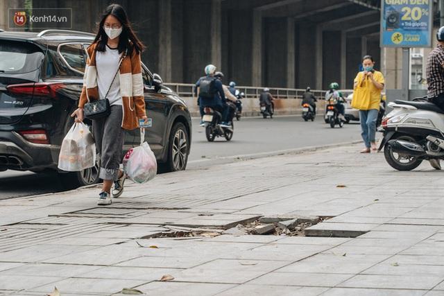 Nhiều tuyến phố Hà Nội lát đá thương hiệu 70 năm đã hư hỏng nghiêm trọng: KTS chỉ ra 4 nguyên nhân chính - Ảnh 4.