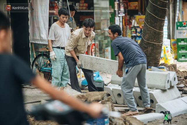 Nhiều tuyến phố Hà Nội lát đá thương hiệu 70 năm đã hư hỏng nghiêm trọng: KTS chỉ ra 4 nguyên nhân chính - Ảnh 9.