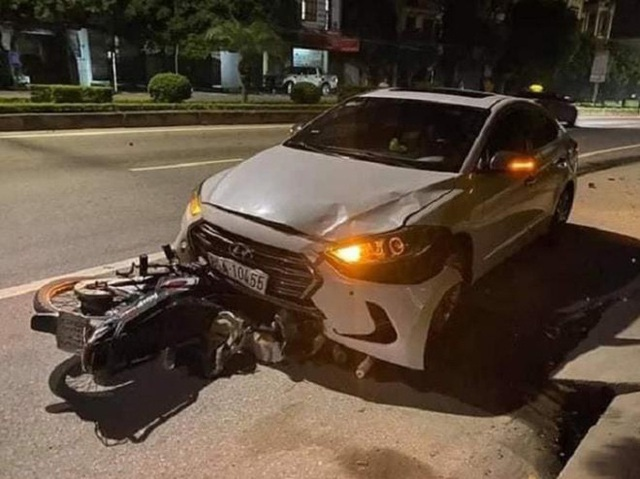 Đình chỉ thanh tra giao thông lái xe ngược chiều tông tử vong nữ công nhân môi trường  - Ảnh 1.