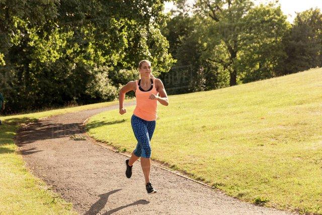 Tập thể dục bao nhiêu lâu thì có thể giúp kéo dài tuổi thọ? - Ảnh 1.