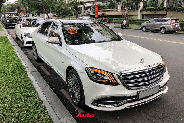 HOT: Loạt xe khủng đưa dâu trong đám hỏi Phan Thành, chú rể cầm lái Rolls-Royce Wraith 34 tỷ đồng - Ảnh 10.