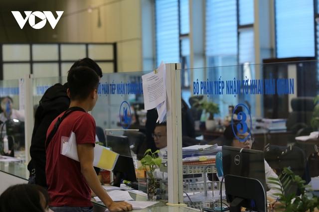 Lạng Sơn: Nhiều đối tượng buôn lậu phản kháng, giành giật hàng với lực lượng chức năng - Ảnh 3.