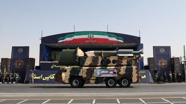 Mỹ trừng phạt Iran dồn dập, Nga phản ứng dữ dội  - Ảnh 2.