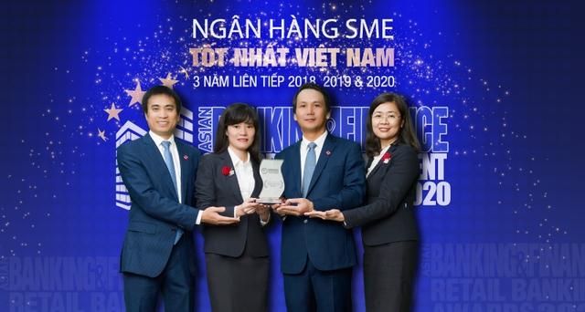 """BIDV tiếp tục là """"Ngân hàng SME tốt nhất Việt Nam"""" do The Asian Banking & Finance bình chọn - Ảnh 1."""