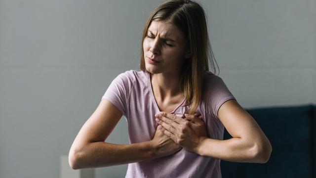 Một tháng trước cơn đau tim, cơ thể sẽ cảnh báo sớm 8 dấu hiệu dễ nhầm lẫn bạn không được bỏ qua - Ảnh 4.