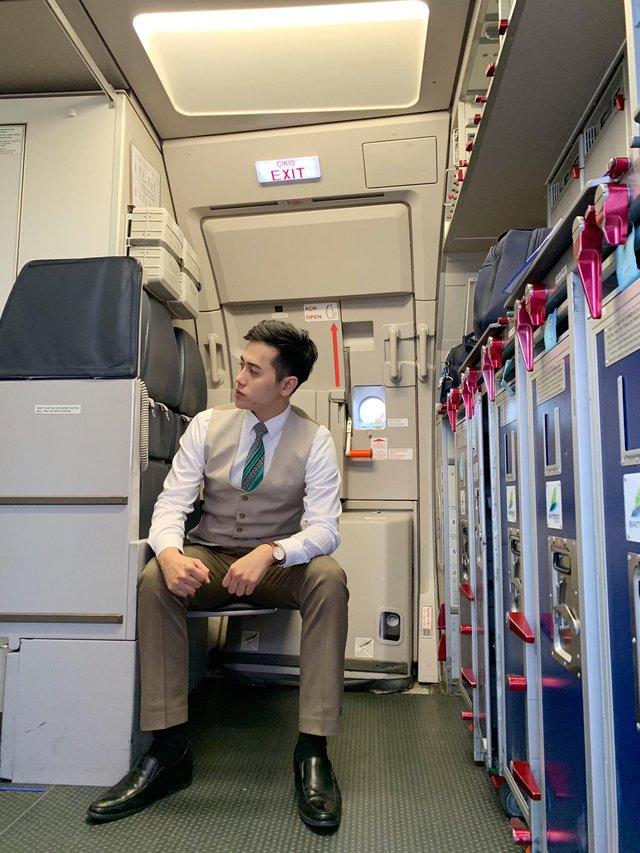 Những bí mật sau chiếc đồng hồ bất ly thân của tiếp viên hàng không trên máy bay, hóa ra công dụng chẳng dừng lại ở việc xem giờ - Ảnh 5.
