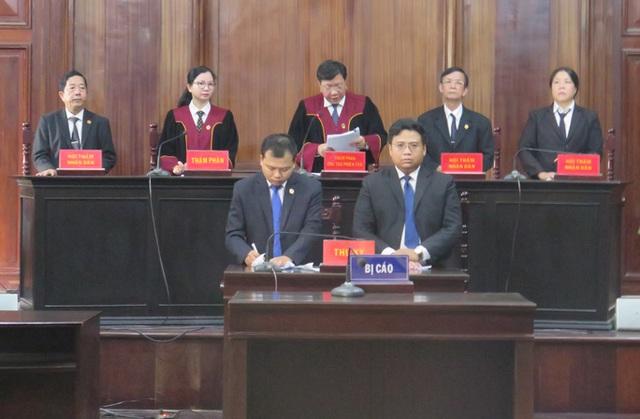 Đại án Ngân hàng Đông Á: Ông Trần Phương Bình lãnh án chung thân - Ảnh 2.