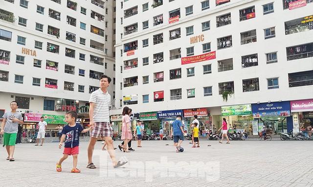 Yêu cầu làm 'sổ đỏ' cho khu chung cư vạn dân ở Hà Nội - Ảnh 1.