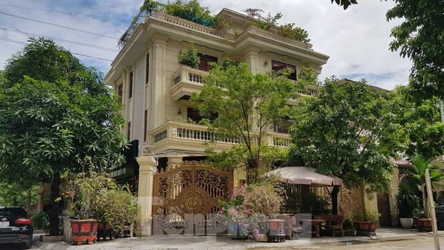 Hà Nội lệnh các quận báo cáo việc nở rộ công trình cung điện, lâu đài hợp thửa - Ảnh 5.