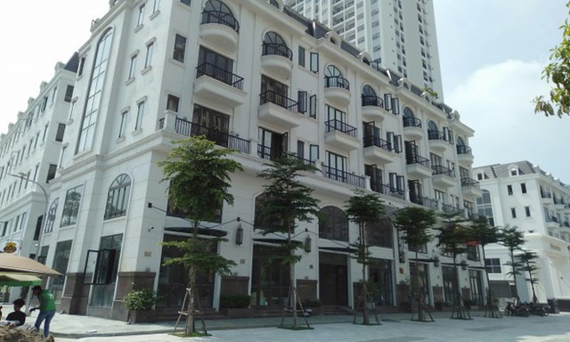 Hà Nội lệnh các quận báo cáo việc nở rộ công trình cung điện, lâu đài hợp thửa - Ảnh 7.