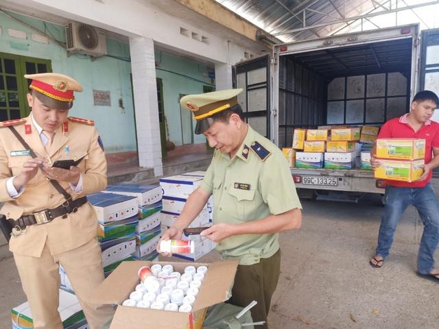 Ngăn chặn hàng chục nghìn sản phẩm thuốc bảo vệ thực vật nhập lậu - Ảnh 1.