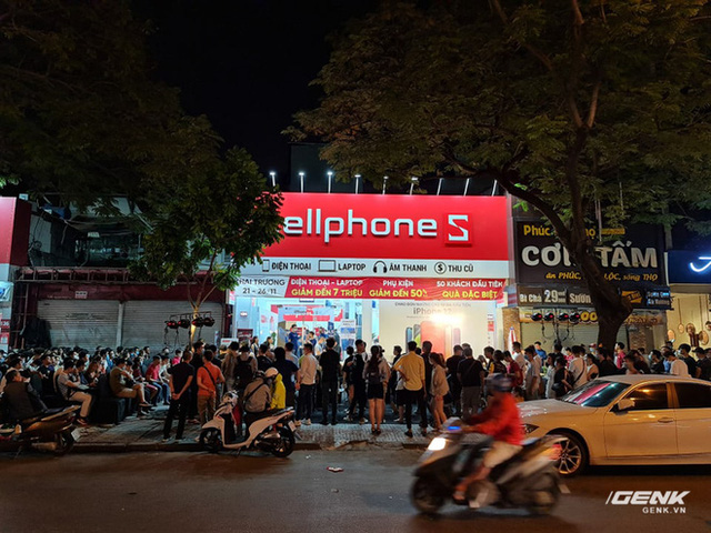 Như thường lệ, chiếc iPhone rẻ nhất vẫn bị người Việt ghẻ lạnh nhất - Ảnh 1.