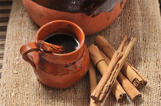 Bất ngờ với cách thêm 1 chút bột này vào cà phê: Vừa dễ uống, vừa có 6 lợi ích sức khỏe - Ảnh 2.
