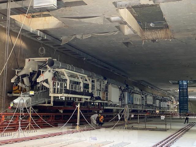 Cận cảnh lắp ráp robot đào hầm khủng nặng 850 tấn thi công Metro Nhổn - ga Hà Nội - Ảnh 1.