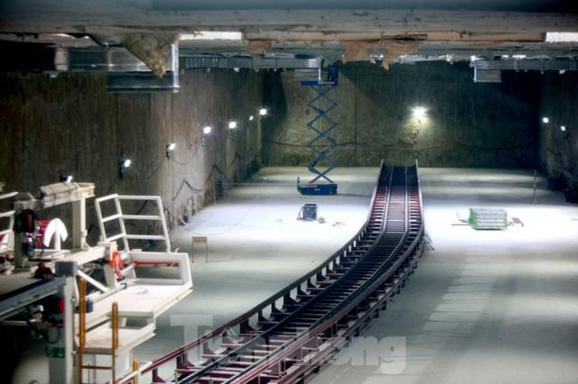 Cận cảnh lắp ráp robot đào hầm khủng nặng 850 tấn thi công Metro Nhổn - ga Hà Nội - Ảnh 3.