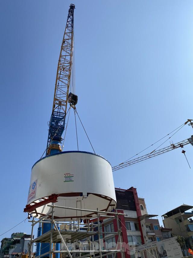 Cận cảnh lắp ráp robot đào hầm khủng nặng 850 tấn thi công Metro Nhổn - ga Hà Nội - Ảnh 9.