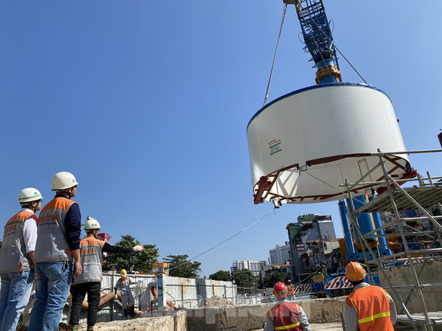 Cận cảnh lắp ráp robot đào hầm khủng nặng 850 tấn thi công Metro Nhổn - ga Hà Nội - Ảnh 10.