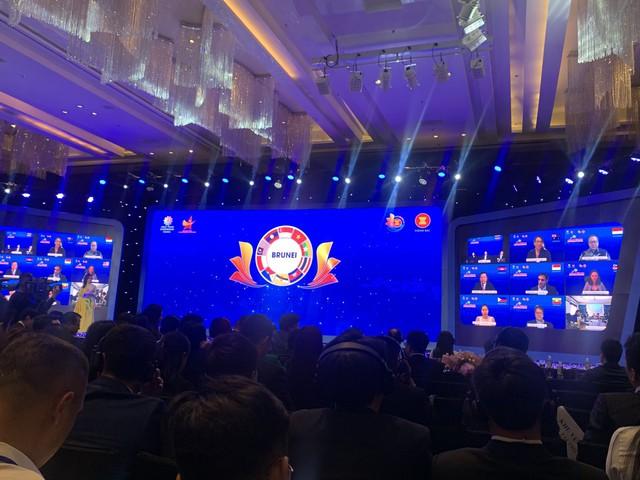 Lễ chuyển giao Chủ tịch Hội đồng Doanh nhân trẻ Asean chưa từng có trong lịch sử - Ảnh 1.