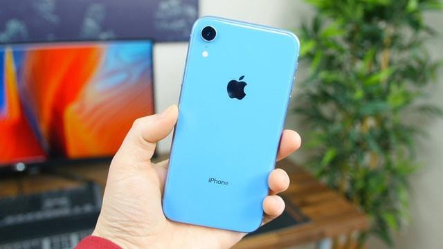 Vừa tái xuất sau khi cháy hàng, iPhone XR đã bay 4 triệu đồng, rẻ chưa từng có - Ảnh 2.