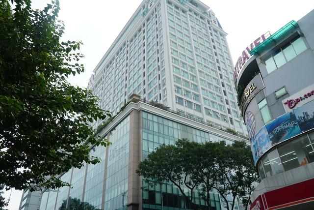 Cận cảnh tòa nhà 2 mặt tiền tại đất vàng TP HCM đang được VietinBank rao bán - Ảnh 12.